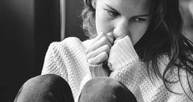 Feeling Depressed? 10 Things You Can Try Before Calling Your Doctor